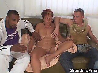 Sexy Großmutter saugt und reitet sofort