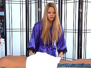 Asiatico Massaggiattrice Succhiare Verga