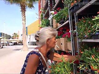 Opoe en bloemen
