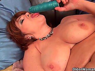 Vollbild Großschmutter Valencia mit ihrem Großen Titten braucht einen Orgasmus