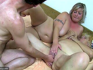 Oldnanny OMA und REIF Masturbierte Haarig Muschi