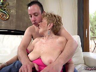 SEXY BLOND OMA LIEBT HARD SCHWANZ